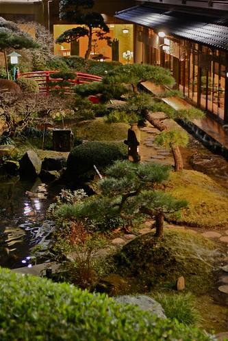 鶯啼庵の中庭