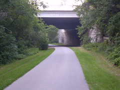 Walk near Lafayette Place, Milwaukee (mistabeas2012) Tags: