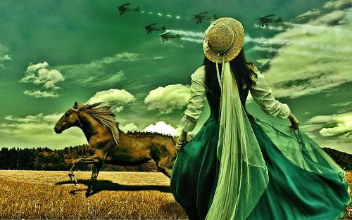 フリー写真素材, グラフィックス, フォトアート, 馬・ウマ, 女性, 後ろ姿, 帽子・キャップ, ドレス,