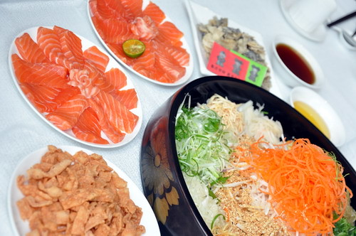 Prosperity Yee Sang Served with Salmon 1
