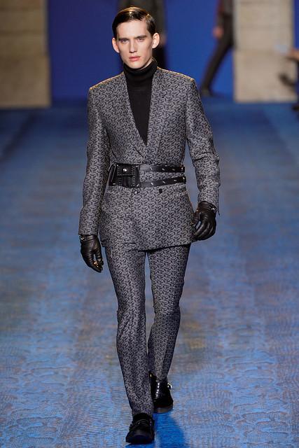 FW11_Milan_Versace037_Sebastian Brice(VOGUEcom)