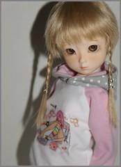 Bambi is so good at being my favorite^-^ (Pinktezka) Tags: lana hoodie dami bjd comission elfdoll pinktezka