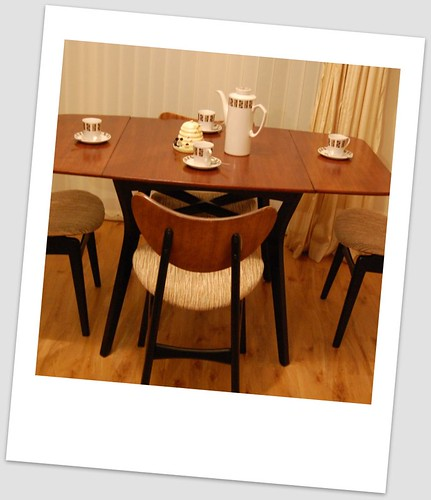 Buying and Restoring a G-Plan 1950′s Dining Set -Part 2