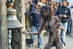 (kuuan) Tags: kathmandu nepal pashupathinath shivaratri mahashivaratri baba sadhu pilgrim 50 50mm f14 5014 1450 f1450mm smc takumar pentax pentaxistds ist crop reedit performance