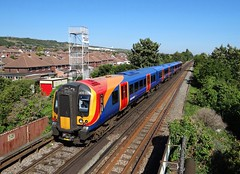 South West Trains Class 450 at Portchester (andyc20050) Tags: southwesttrains swt portchester class450 450020 emu hampshire bluesky desiro stagecoach