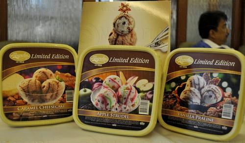 2010-12-03 Magnolia Ice Cream (19)