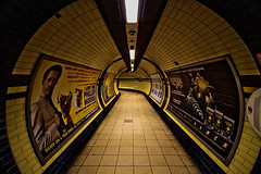 Tube (sgrazied) Tags: city uk light london architecture colore rimini canoneos20d giallo luci londra architettura luce inghilterra romagna sgrazied interphoto vecchipercorsi matthillstyle aroundthetube
