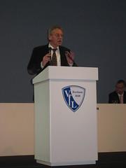 Günter Bernhörster bei der außerordentlichen Mitgliederversammlung des VfL Bochum