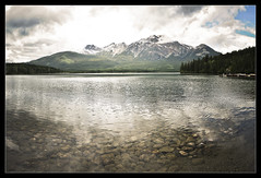 Pyramid Lake,Jasper (Alberta,Canad) (Isaac M.Alcazar) Tags: lake canada jasper pyramid dosviajeroscom