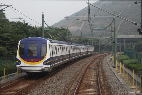 Passing a northbound train for Sunny Bay at the crossing loop