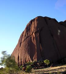 Uluru sunrise 18 (Roving I) Tags: sunrise dawn icons nt australia uluru geology monoliths rockformations northernterritory ayersrock redcentre