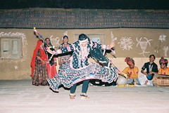 Gulabo performing Kalbeliya Dance (olderock1) Tags: folkdance rajasthan colorsofindia artsandculture