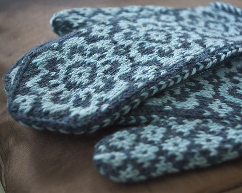 End of May Mittens, (End of) Earth Bread – ScratchCraft
