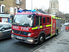 LFB DPL1279 (kenjonbro) Tags: uk london mercedesbenz 2007 1325 eastgreenwich atego londonfirebrigade e361 dpl1279 ae07hwy