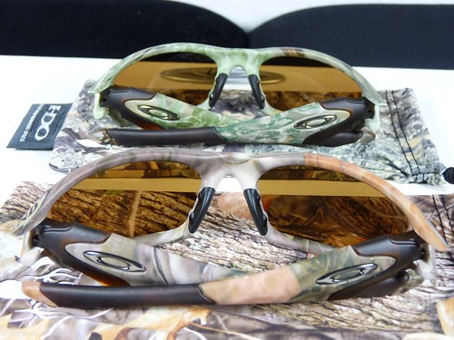0a2c93a210 Oakley New Straight Jacket II King s Camo Desert vs. Woodland - a ...