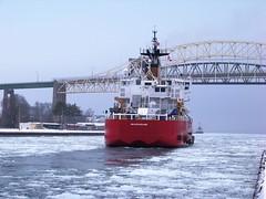 2010-12 Mackinaw (Detroit District) Tags: soolocks internationalbridge icebreakermackinaw