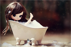 Bath lover  ( J a c k y) Tags: macro cute girl canon bath doll lily kitty sigma dal bathtub lilian puki
