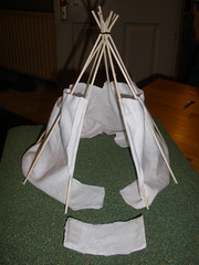 Tipi project - the lining and a bed