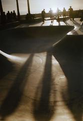 Paxette01 (▓▓▒▒░░) Tags: california venice film beach 35mm skaters skatepark braun paxette