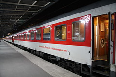 CNL451 (Late Red) Tags: paris garedelest deutschebahn sncf speisewagen diningcar parisest dbag citynightline barcar voiturerestaurant cnl451