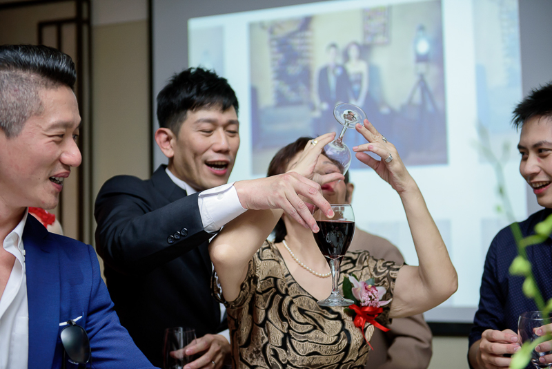 國賓婚攝,台北國賓,國賓飯店婚宴,新秘Miko ,婚攝小勇,台北婚攝, 愛瑞思新娘秘書造型團隊,西敏英國手工婚紗,小寶工作室-072