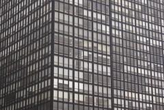 DSC00300 (hellothomas) Tags: chicago skyscraper illinois lakeshoredrive miesvanderrohe curtainwall