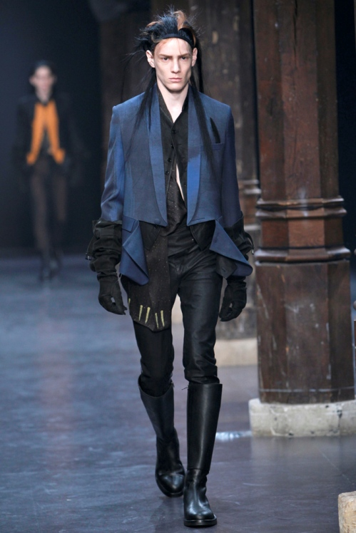 Ann Demeulemeester Mens Fall 2011 collection - paint splatters 8