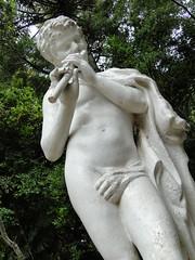Una de las Artes de don Carlos (_echoes_) Tags: sony carlos escultura estatuas lota octava carbn bobo cousio parquedelota dschx1
