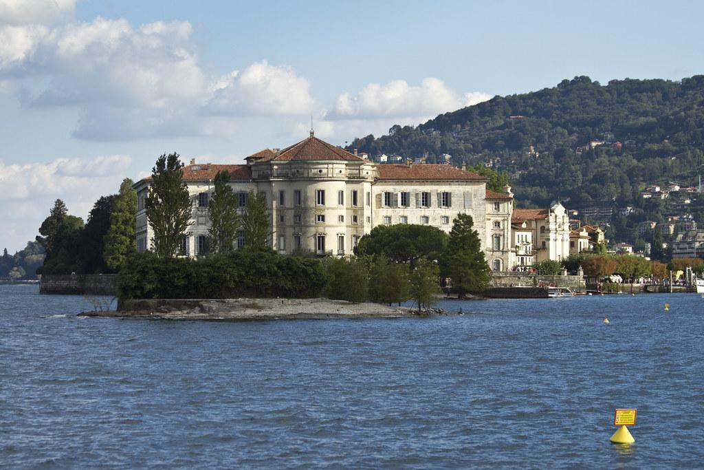 Palazzo Borromeo #5