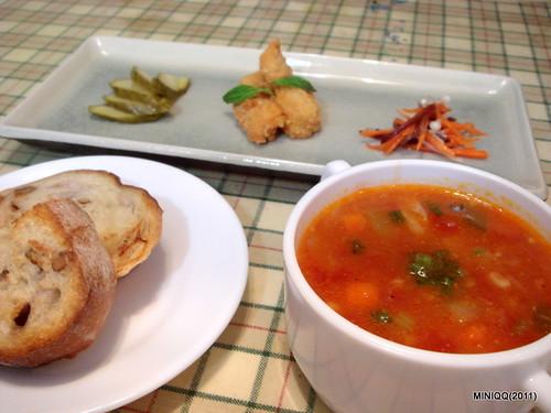 20110205 初三_06 午餐_02
