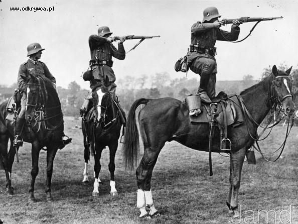 german cavalry 1935 standing saddle position