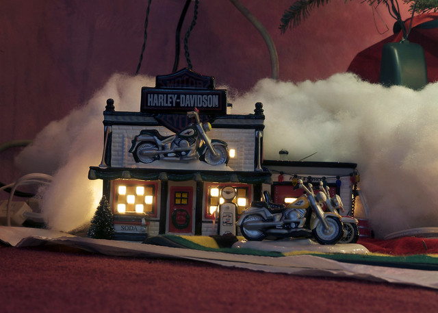 Harley Davidson Shop under the Christmas tree