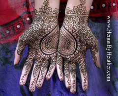 2_bridal_henna_heart_indian_mehndi_design
