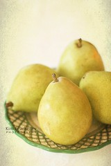 D'Anjou Pears (KimFearheiley) Tags: stilllife fruit pears fresh 365 danjou danjoupears