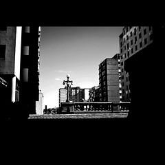 Viaduto da Borges (Thile Elissa) Tags: cidade urban bw poste centro portoalegre pb urbana urbano rua poa amo rs prdios borges viaduto edifcios concreto construo narua avborgesdemedeiros borgesdemedeiros viadutootviorocha viadutodaborges thileelissa polaroida500c
