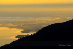Hutaginjang -D20_0031 (Johnny Siahaan) Tags: sunset mountains misty clouds sunrise indonesia gunung batak toba laketoba sumatera huta danautoba sumaterautara tobalake matahariterbit tapanuliutara hutaginjang taput johnnysiahaan mataharipagi fotodanautoba fotohutaginjang