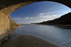 sotto il ponte - under the bridge (pstrada) Tags: fiume di pino puglia taranto lenne mygearandmebronze