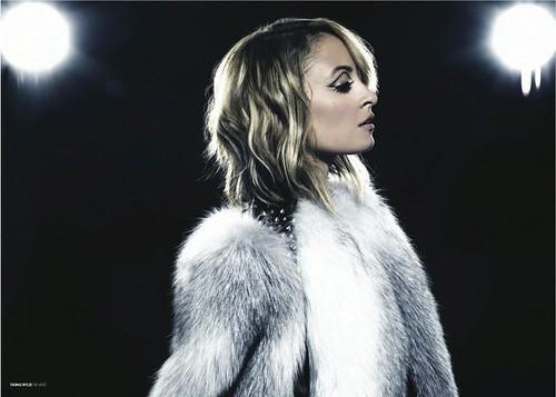 Nicole-Richie-Remix-Magazine-0209115-780x557