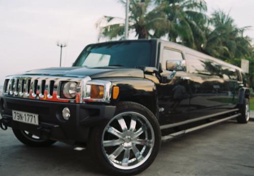Hummer H3 Limousine. Hummer H3 Limousine
