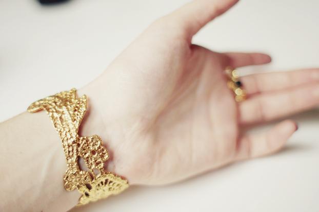 Lace bracelet 01