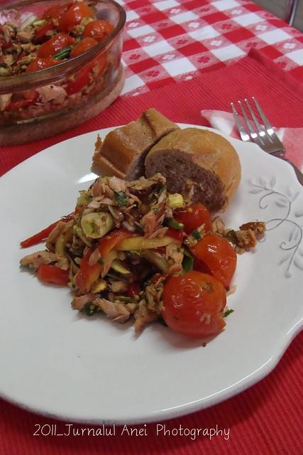 Salata de somon cu legume fripte