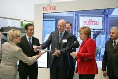 010_CeBIT_Fujitsu_Blog_Merkel_-20110301-100818 (Fujitsu_DE) Tags: cebit halle2 erstertag cebit2011 cebit11