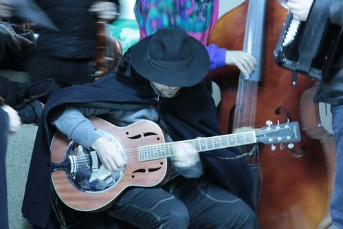 nuove e vecchie transumanze con la chitarra resofonica (dobro)