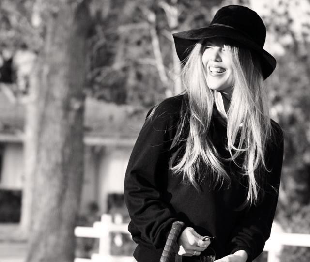 Vintage black hat, Tom Ford Sunglasses, Cynthia Rowley Bag with tassels, J Brand Houlihan skinny cargo pants, steve madden wedges, long blonde hair, DSC_0128