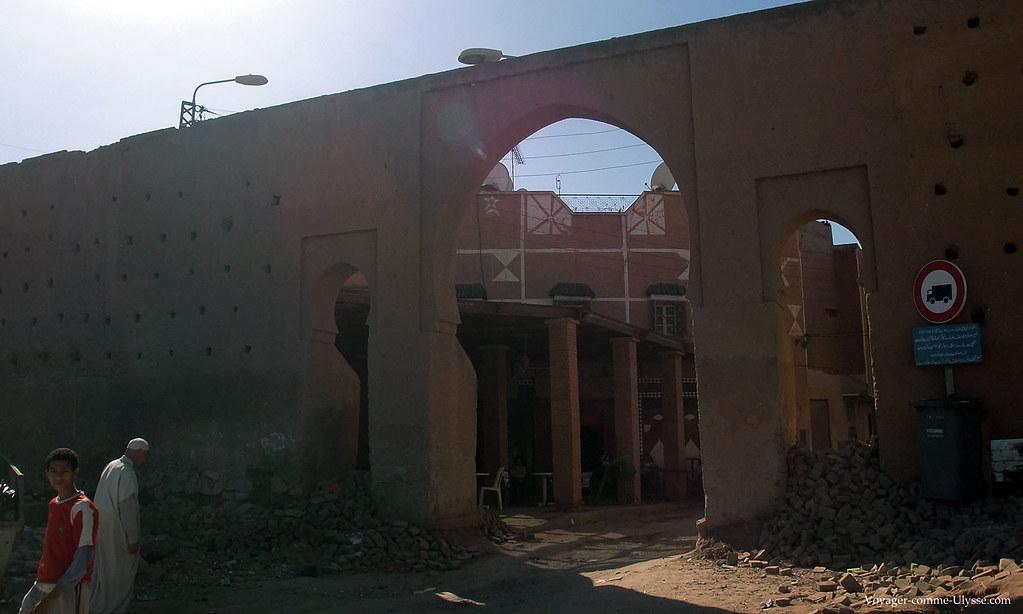 Une des 22 portes donnant accès à la Medina