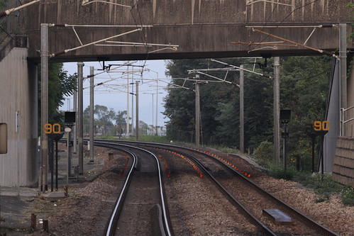 Curve speed limits at University station