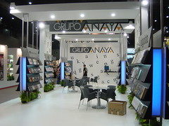 """Grupo Anaya • <a style=""""font-size:0.8em;"""" href=""""http://www.flickr.com/photos/60622900@N02/5529617354/"""" target=""""_blank"""">View on Flickr</a>"""