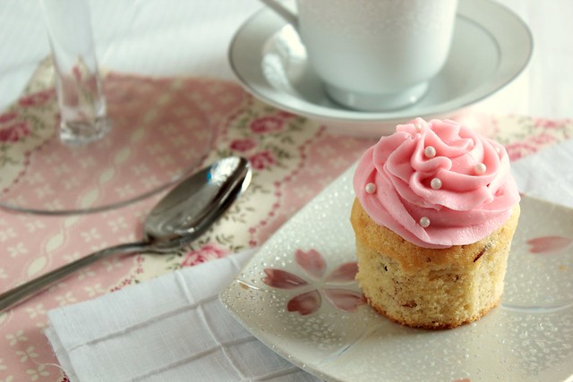 Vanilla Almond Cupcake