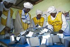 Referendum on the Self-Determination of South Sudan (International Foundation for Electoral Systems) Tags: africa southsudan sudan un unitednations darfur referendum votes counting onu peacekeepers cascosazules nacionesunidas selfdetermination elfasher nacionsunides albertgonzalezfarran unamid albertgonzaleznet cascosblaus