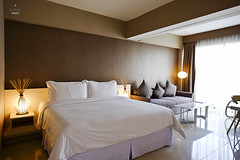 King Bed in the suite (A. Wee) Tags: fourpoints spg kuta bali  indonesia  resort hotel  suite  bedroom